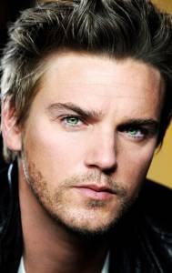 Райли Смит - Riley Smith